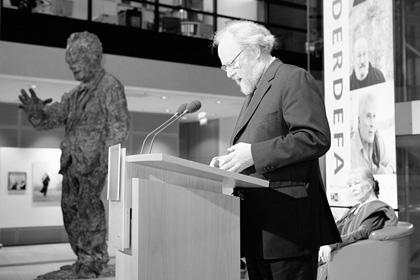 Willy-Brandt-Haus, Berlin, Begrüßung des damaligen Bundestagsvizepräsidenten Wolfgang Thierse, 2009